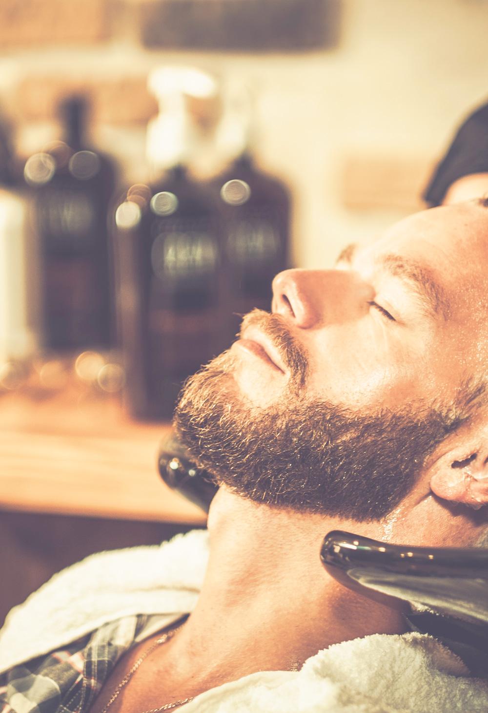 uomo prodotti cura personale barba e prodotti per capelli